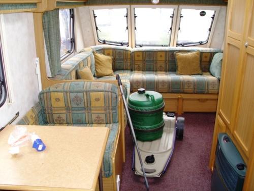 Caravan 008a