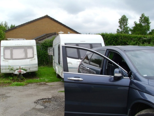 Caravan cleaning 002a